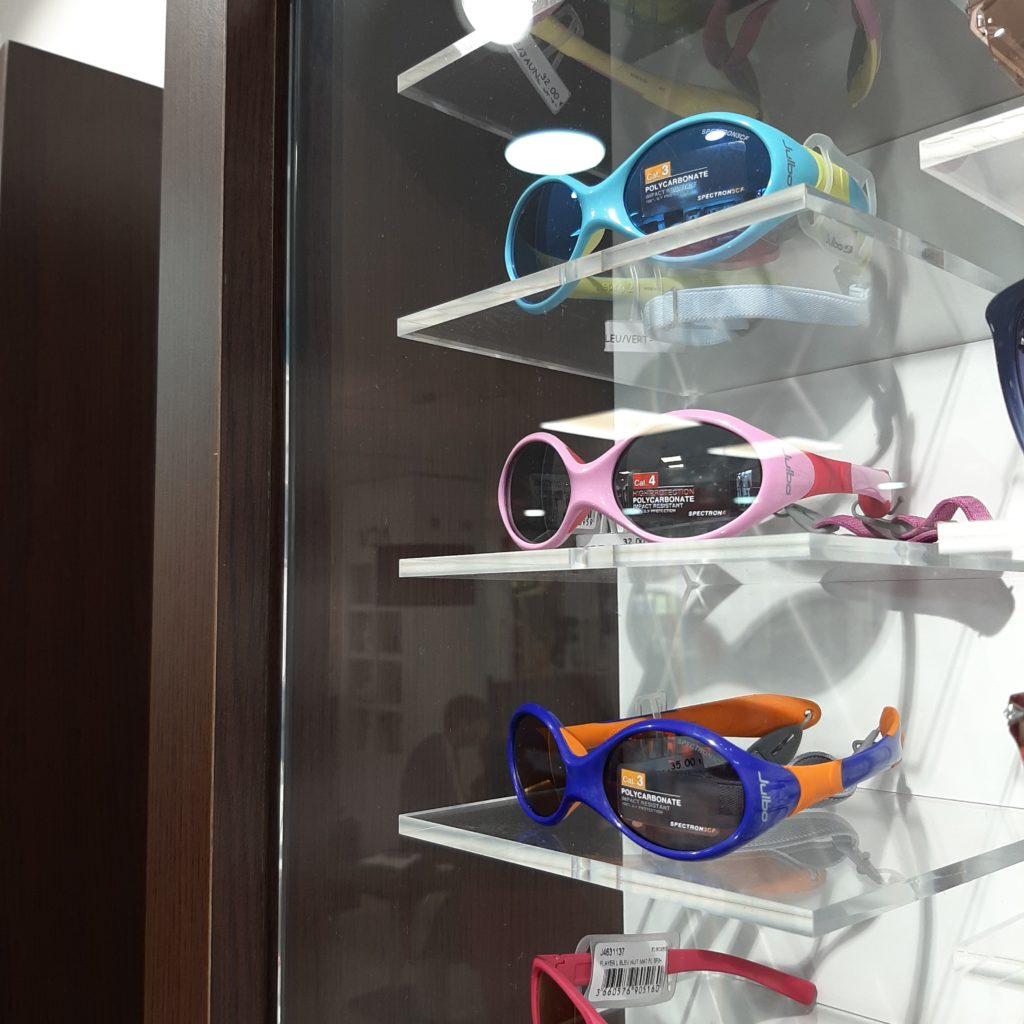 les lunettes de soleil pour bébé